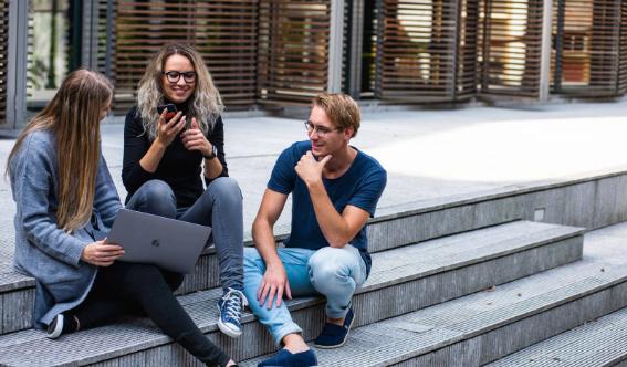 Flinkback - Digitale Anbindung von Hochschulen an den Arbeitsmarkt